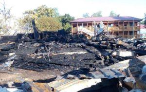2060951 300x189 Страшна пожежа в одеському таборі Вікторія. Питання не Хто винен, а Що робити.